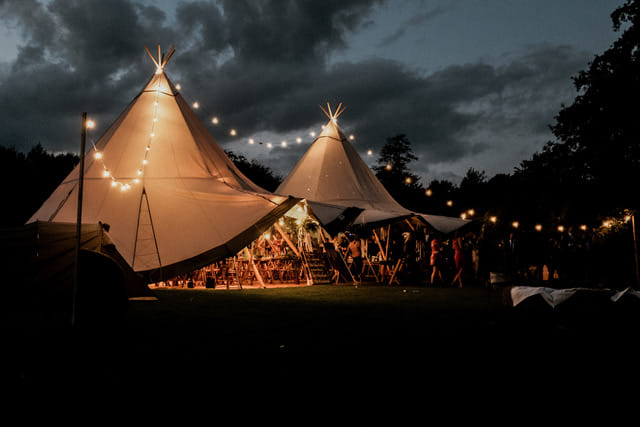 Love Tipis Festoon lights