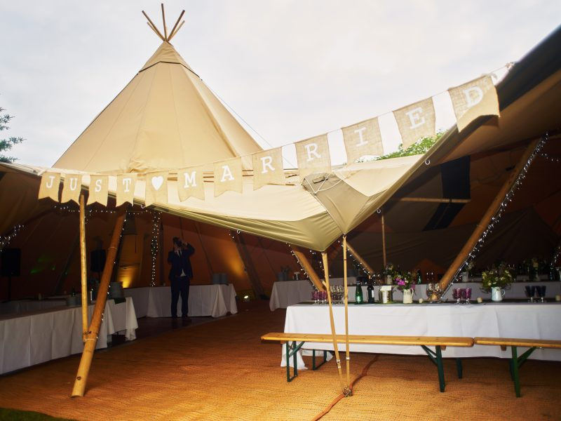 Just Married Bunting Love Tipis