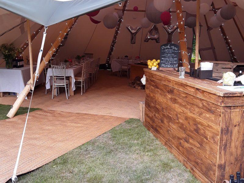 Love Tipis Party Bar